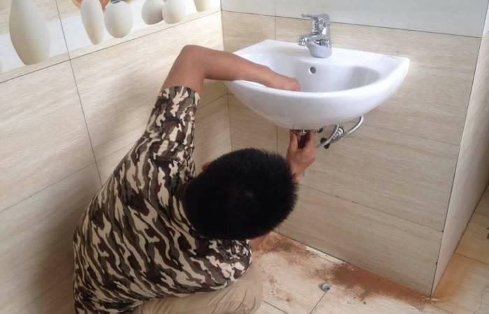 Sữa chữa chậu rữa mặt tại nhà hiệu quả