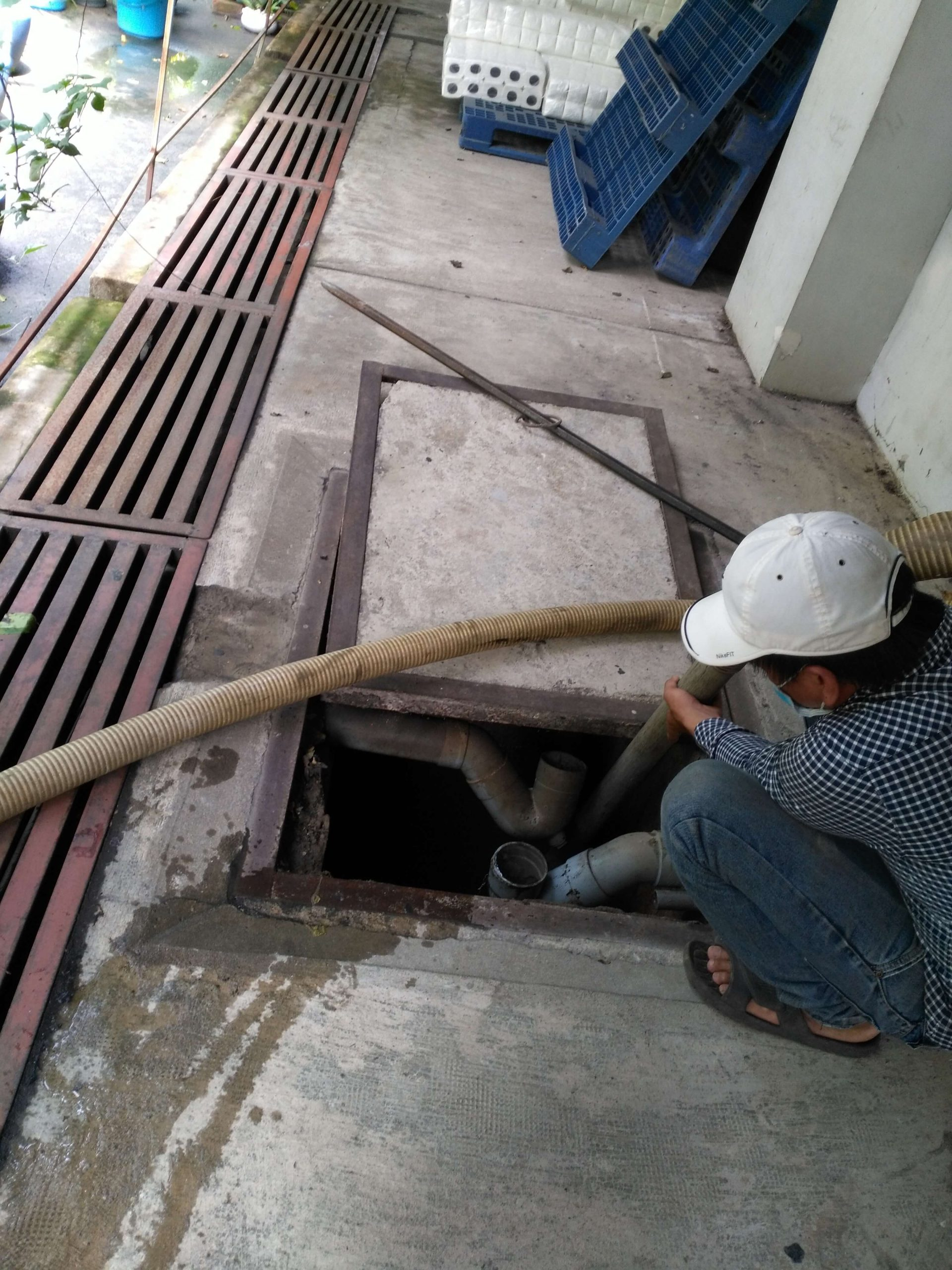 thông tắc ống cống