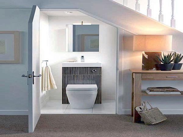 thiết kế nhà vệ sinh dưới cầu thang